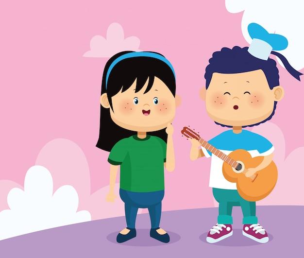 Feliz mujer y niño cantando y tocando la guitarra