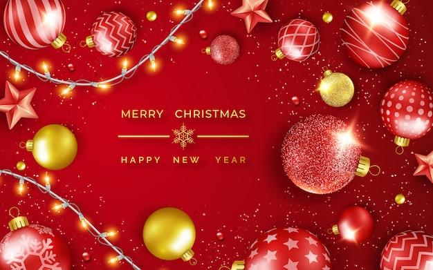 Feliz navidad y feliz año nuevo tarjeta de felicitación con brillantes estrellas, confeti, guirnaldas y bolas de colores.