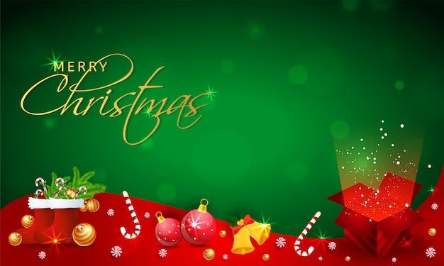 Feliz navidad pancarta o póster con elementos del festival como adornos, calcetines de santa, cascabel, dulces y caja de regalo mágica en verde y rojo.