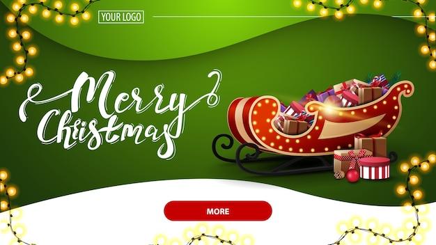 Feliz navidad, postal verde con hermosas letras, guirnalda, fondo verde, botón rojo y trineo de santa con regalos