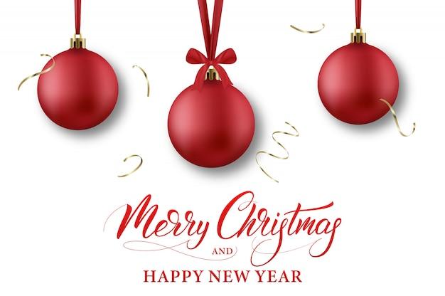 Feliz navidad y próspero año nuevo. banner de vacaciones de invierno con bolas de navidad, confeti y caligrafía