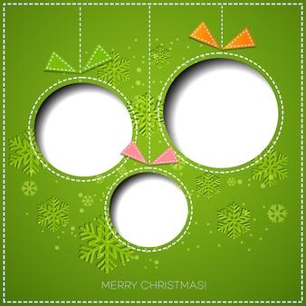 Feliz navidad tarjeta de felicitación con adorno navideño. diseño de papel