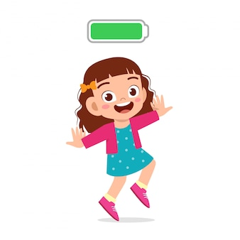 Feliz niño lindo niña fresca plena energía