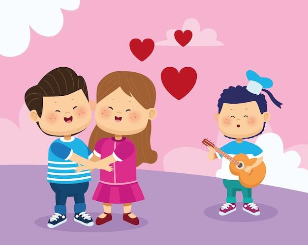 Feliz pareja y niño cantando y tocando la guitarra
