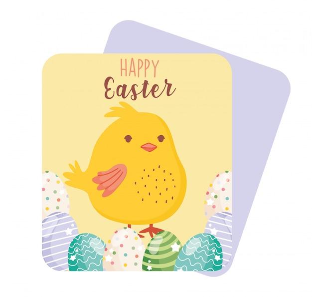 Feliz pascua lindo pollo en tarjeta festiva de huevos decorativos