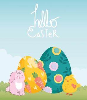 Feliz tarjeta de pascua, lindo conejo y pollo con decoración de huevo pintado con flores y zanahorias