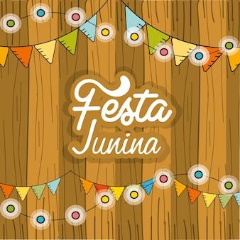 Festa junina con bombillas de cadena y fondo de madera