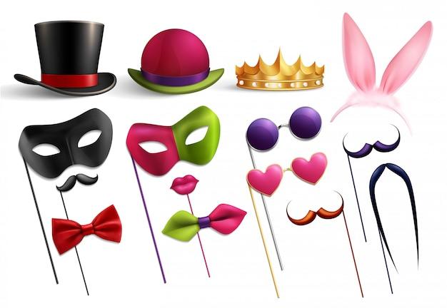 Fiesta de fotomatón con imágenes aisladas de divertidos sombreros, gafas y elementos de doodle para disfraces