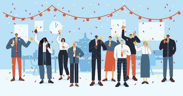 Fiesta de oficina de año nuevo. los empleados felices celebran las fiestas, la fiesta de navidad del equipo de la oficina de negocios y las personas corporativas celebran juntos la ilustración plana. personal de empresa con bengalas