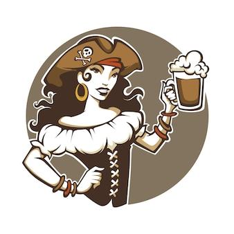 Fiesta pirata, retrato de la bella dama en traje de corsario y sombrero sostienen una cerveza de barril