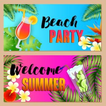 Fiesta en la playa, letras de bienvenida de verano con cócteles.