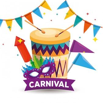 Fiesta tradicional con decoración de tambor y máscara con fuegos artificiales.