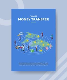 Financiar la transferencia de dinero a las personas de pie frente al mundo del mapa del teléfono inteligente para la plantilla de pancarta y volante