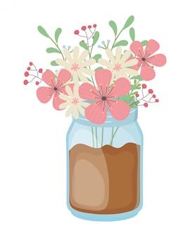 Flores y hojas en florero
