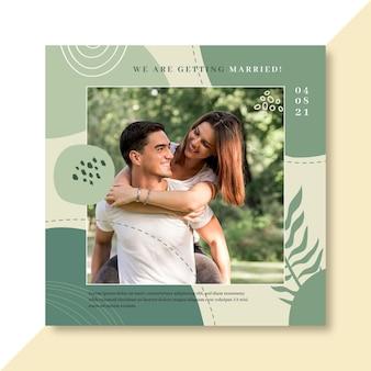 Flyer cuadrado hombre y mujer feliz