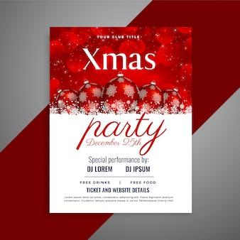 Flyer de la fiesta de navidad con bolas rojas y copyspace