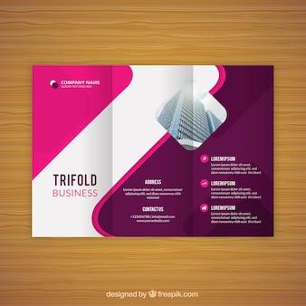 Flyer de negocios tríptico rosa ondulado