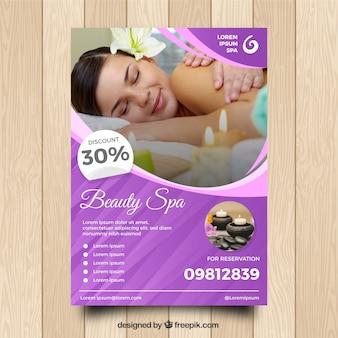 Folleto de centro de spa con diferentes tratamientos para relajarse