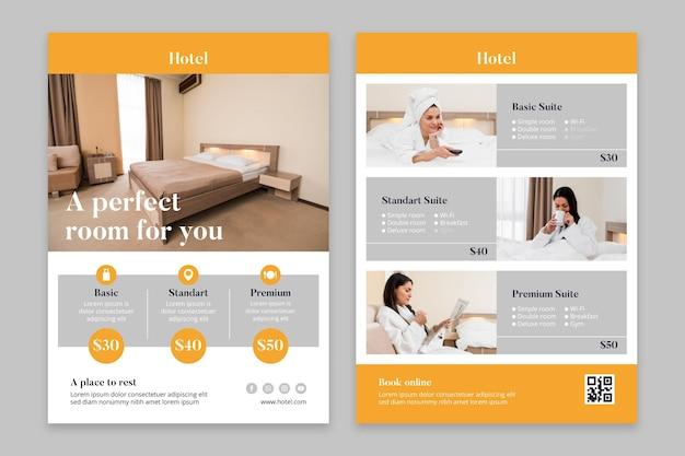 Folleto creativo de información hotelera con foto.
