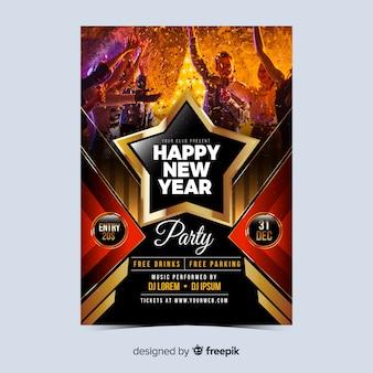 Folleto de gente de fiesta año nuevo 2020