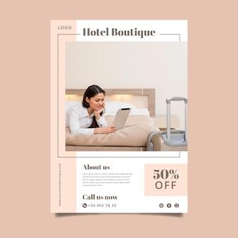 Folleto de información de hotel moderno con foto
