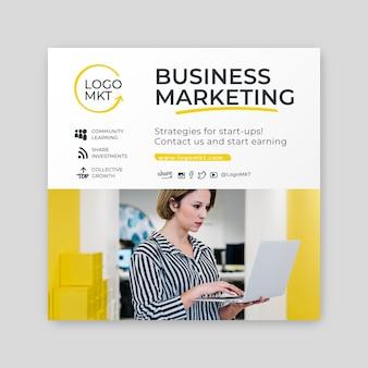 Folleto de marketing cuadrado de negocios