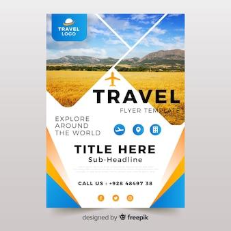 Folleto de viaje / plantilla de póster con foto