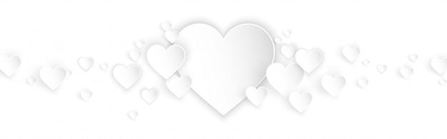 Fondo de banner horizontal con corazones blancos estilo de corte de papel
