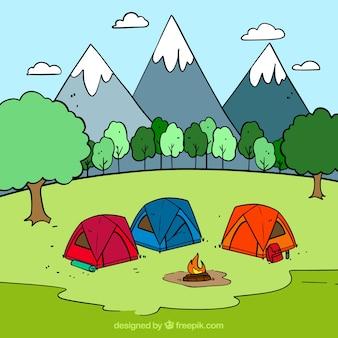 Fondo de campamento de verano dibujado a mano con tres tiendas