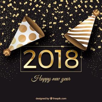 Fondo de año nuevo negro y dorado con gorros cónicos de fiesta y confeti