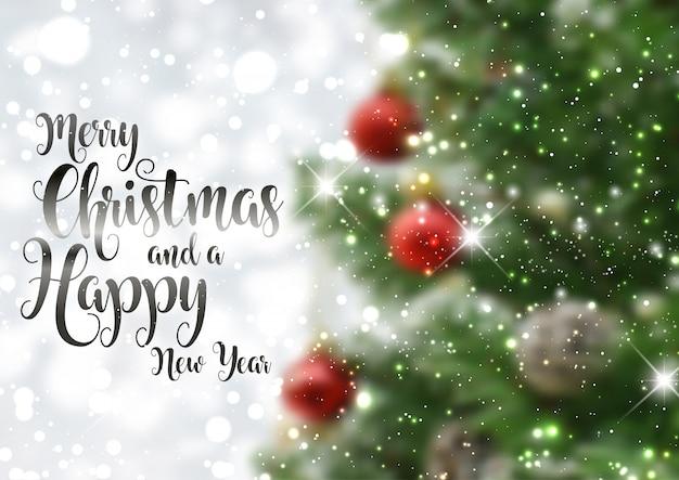 Fondo de texto de navidad con imagen de árbol desenfocado