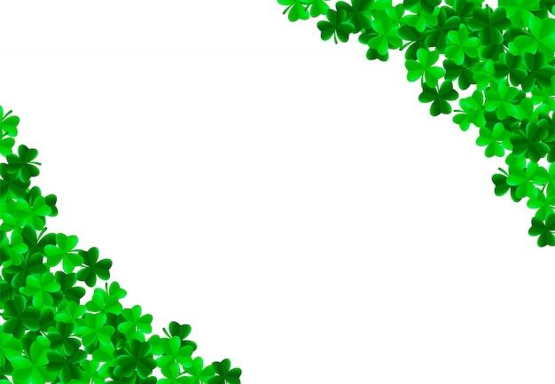 Fondo del día de san patricio con hojas verdes brillantes de trébol trébol en las esquinas. concepto de suerte y éxito. ilustración vectorial