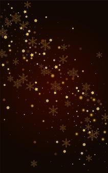 Fondo dorado del vector de las nevadas marrones. textura de nieve brillante resplandor. telón de fondo de copo de nieve de invierno. papel pintado elegante confeti.