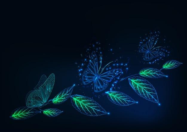 Fondo futurista con brillantes mariposas poligonales bajas y hojas verdes en azul oscuro.