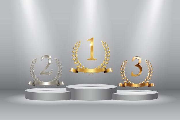 Fondo ganador con coronas de laurel de oro, plata y bronce con cintas y carteles de primer, segundo y tercer lugar en pedestales redondos aislados en gris
