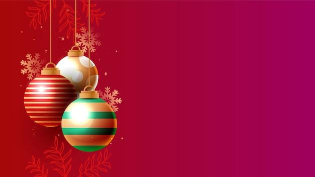 Fondo de navidad con bolas de oro brillantes