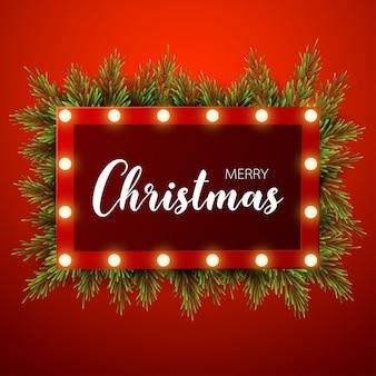 Fondo de navidad con ramas de abeto, signo de luz sobre fondo rojo
