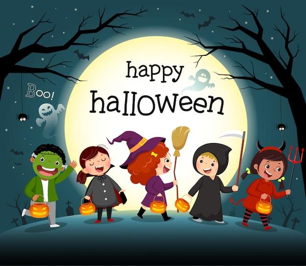 Fondo de noche de halloween con grupo de niños en fiesta de disfraces.