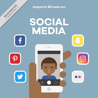 Fondo de redes sociales con móvil e iconos en diseño plano