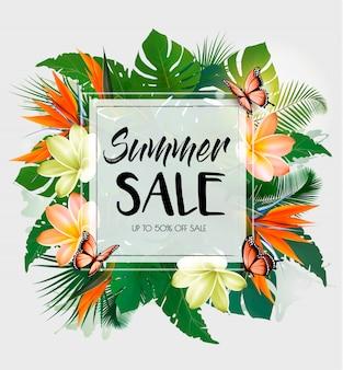 Fondo de venta de verano tropical con hojas exóticas y flores de coloful.