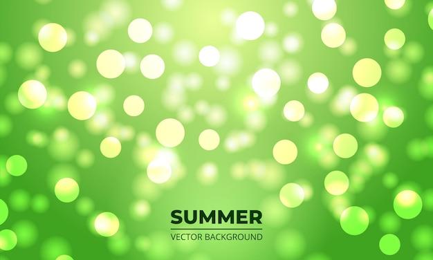 Fondo de verano bokeh con luces verdes desenfocadas