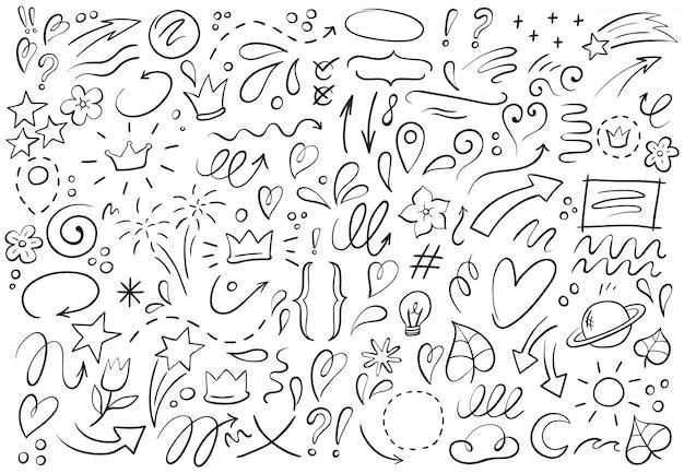 Formas decorativas dibujadas a mano. esquema de corona, puntero de doodle y marco de corazón. conjunto de ilustración de elementos de líneas de garabatos