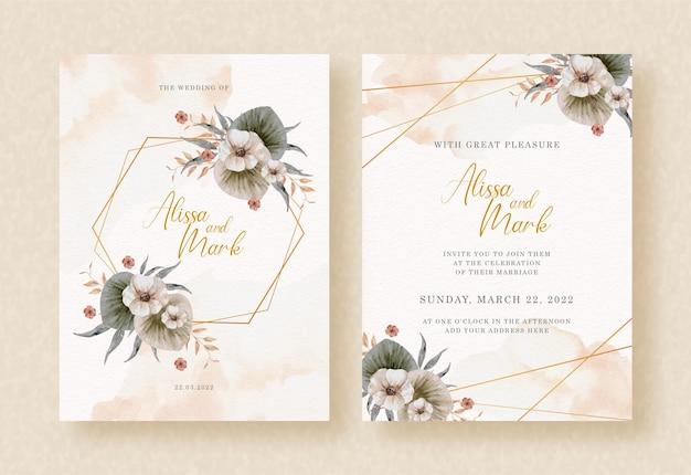 Formas hexagonales con flores de acuarela y hojas en invitación de boda
