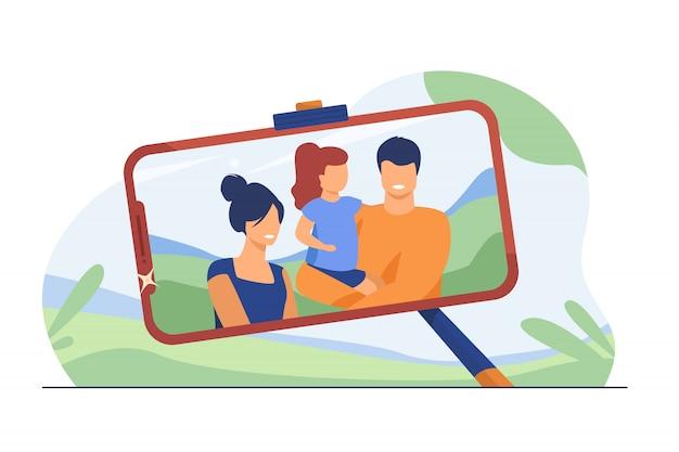 Foto selfie familiar en la pantalla del teléfono
