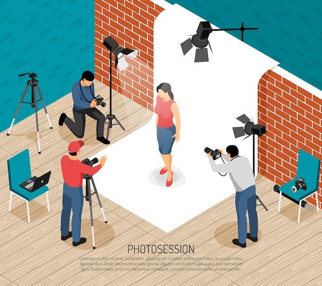 Los fotógrafos profesionales del equipo de interior del estudio de arte fotográfico trabajan composición isométrica con la ilustración de vector de sesión de tiro de modelo de moda