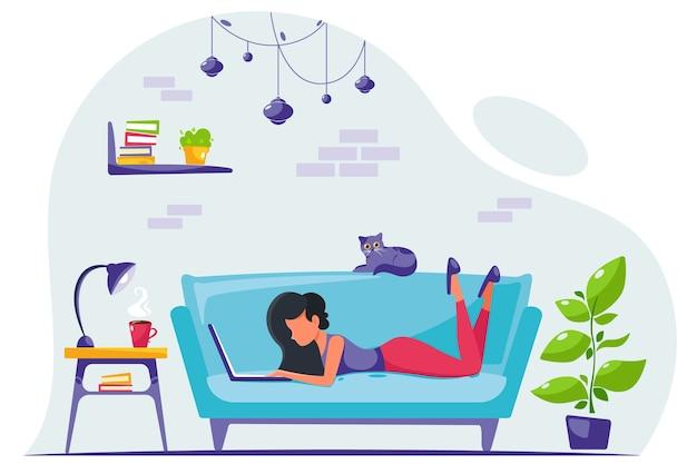 Freelancer joven está trabajando en una computadora portátil en casa. trabajo remoto. oficina en casa. ilustración en un estilo plano.