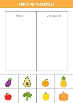 Frutas o verduras. juego de clasificación para niños en edad preescolar. hoja de trabajo lógica educativa.