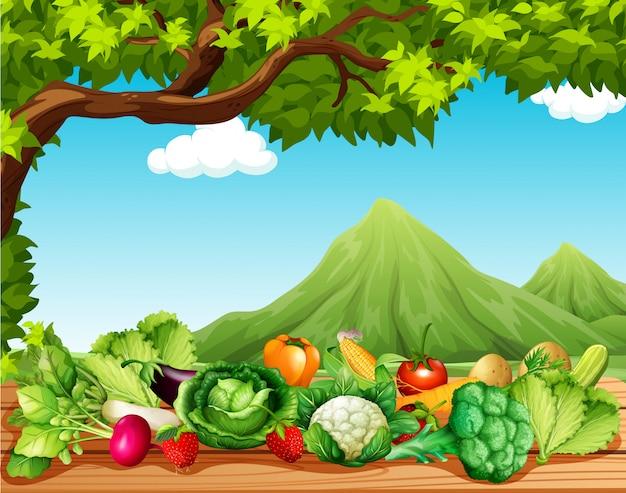 Frutas y verduras en la mesa.