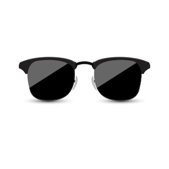 Gafas de sol negras con el vidrio oscuro en el fondo blanco.