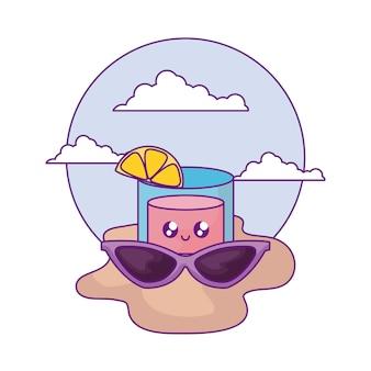 Gafas de sol de verano con cóctel kawaii en la playa